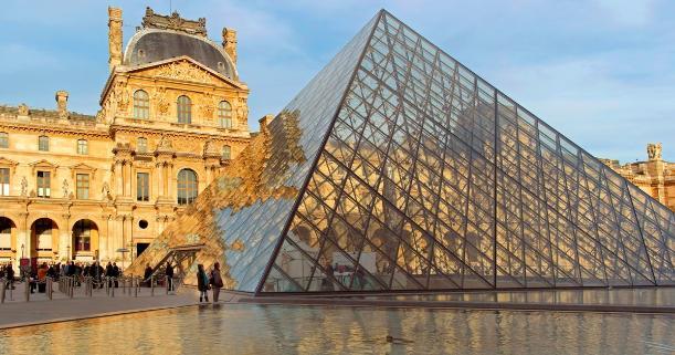 Pyramide du Louvre, Paris - Kinto