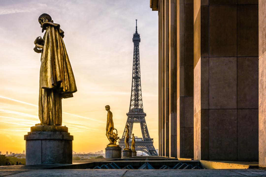 A click at Trocadero Square, Paris - Kinto