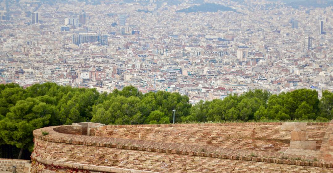 Do it for the views of Barcelona, barcelona - Kinto