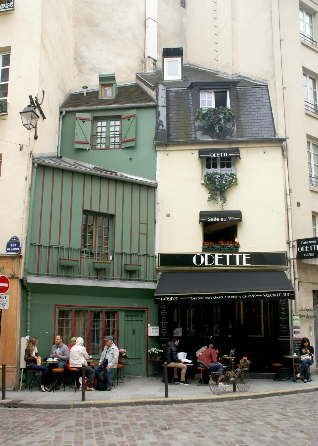 #instacute façade near Saint Michel, Paris - Kinto
