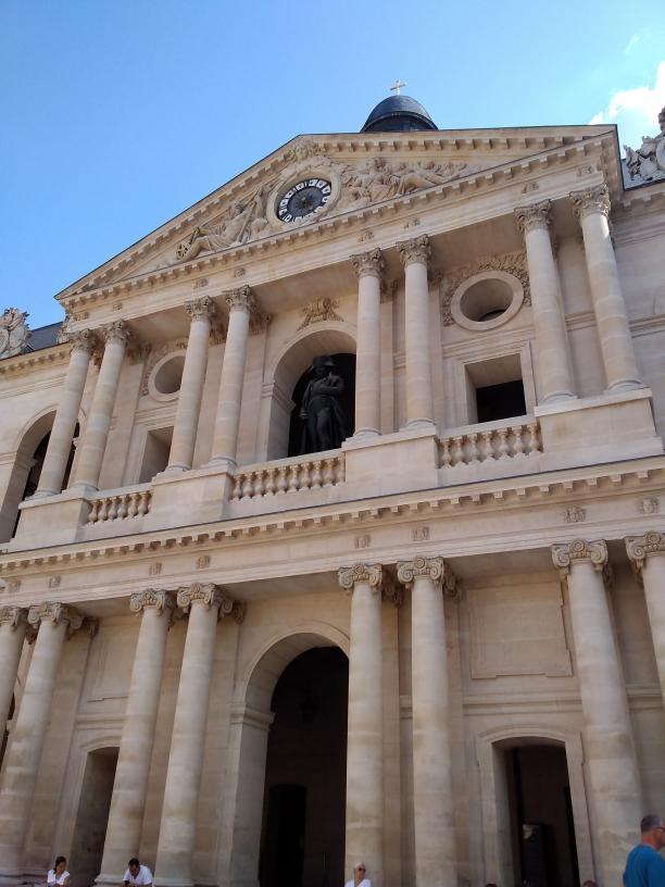 Invalides Court of Honor statue, Paris - Kinto