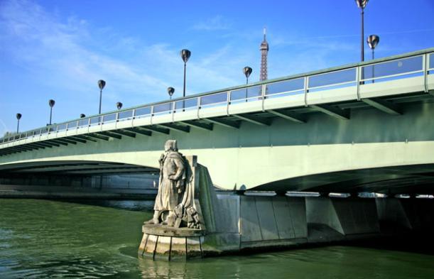 Pont de l'Alma, Paris - Kinto